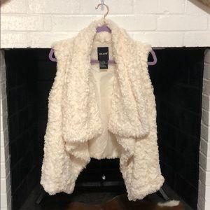 Me Jane. Faux Fur Vest. XL.